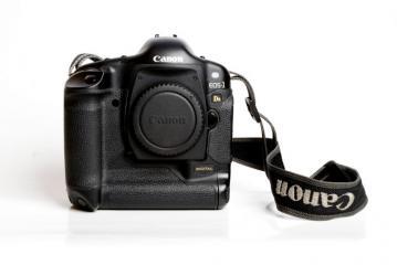 Aparat Canon 1DS Mark I w bardzo dobrym stanie